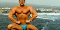 Sportschoolhouder en bodybuilder